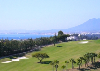 Luxe villa te koop in golf resort te Marbella east