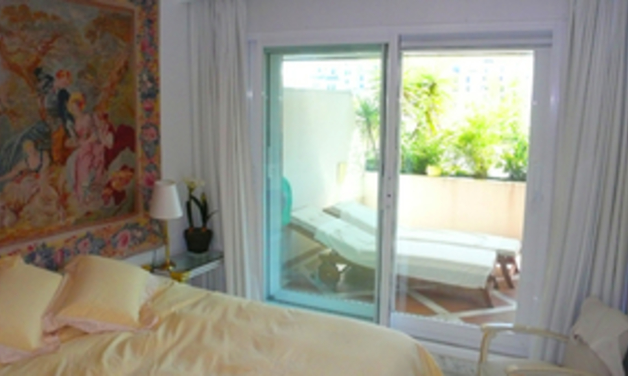 Luxueus appartement te koop in Puerto Banus, Marbella 10