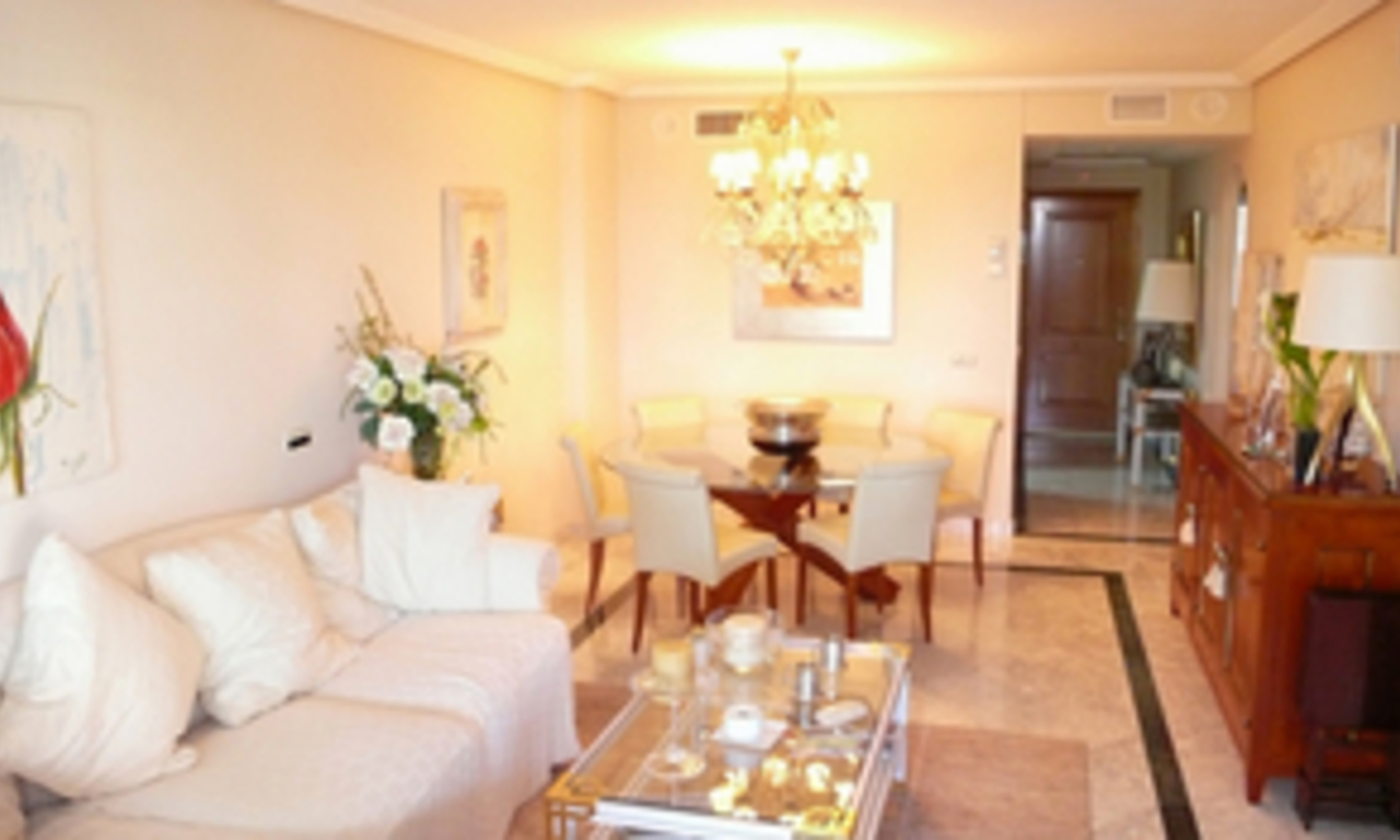 Luxueus appartement te koop in Puerto Banus, Marbella 7
