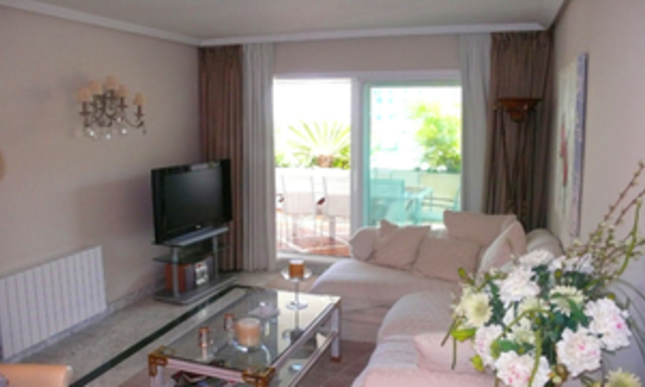 Luxueus appartement te koop in Puerto Banus, Marbella 8