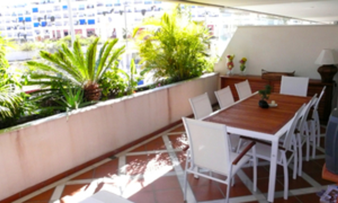 Luxueus appartement te koop in Puerto Banus, Marbella 15