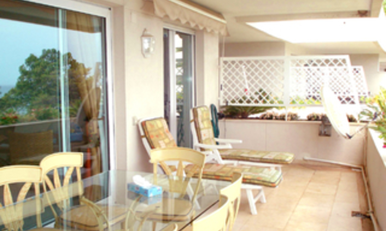 Frontline beach koop penthouse appartement, Sea and beachfront complex, eerste lijn strand, New Golden Mile, Marbella - Estepona. 2