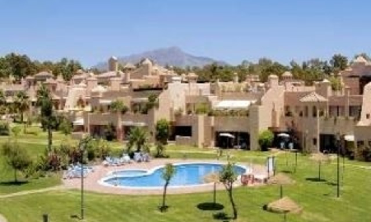 Koop appartement in bewaakt resort, Marbella - Benahavis 1