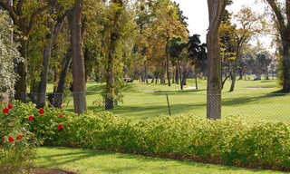 Frontline golf villa te koop, beachside en direct aan de golf course te Marbella 7