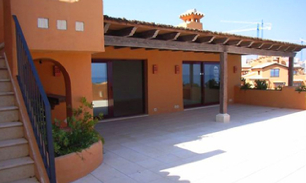 Beachfront luxe penthouse appartement te koop, New Golden Mile, Marbella - Estepona 4