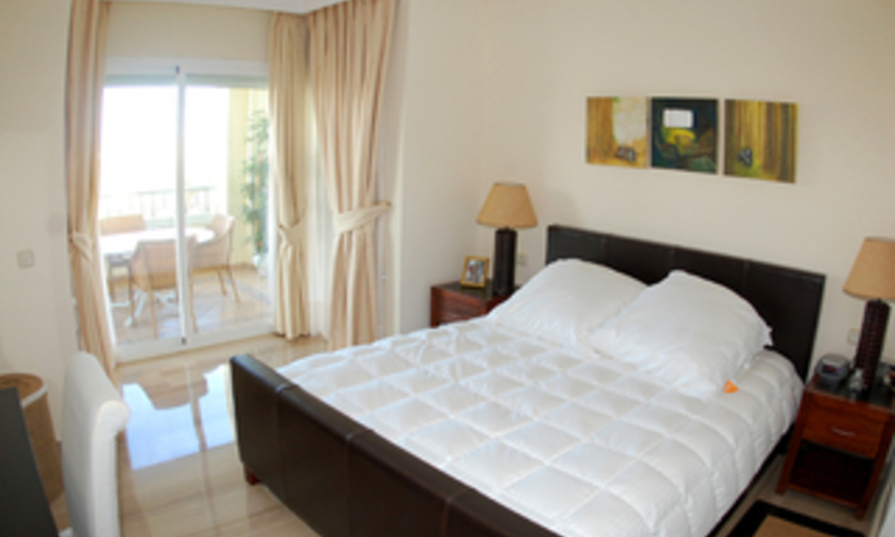 Beachside luxe appartement te koop, Elviria, Marbella east 13