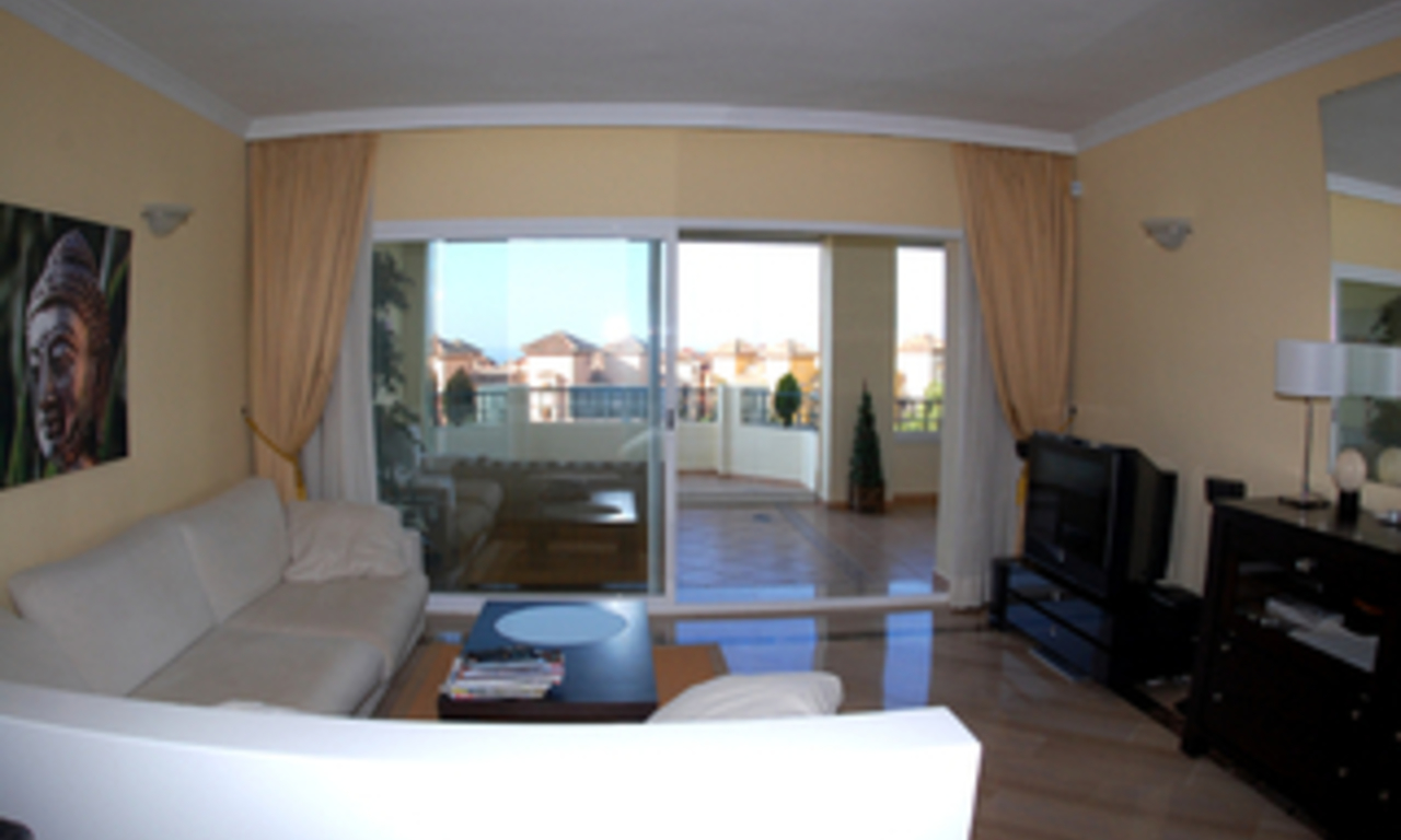 Beachside luxe appartement te koop, Elviria, Marbella east 9