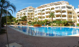 Beachside luxe appartement te koop, Elviria, Marbella east 23