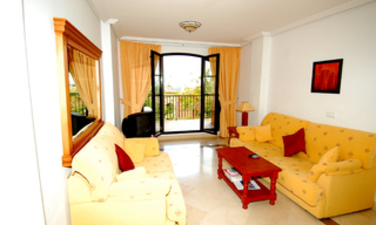 Bargain golf appartement te koop op golfcourse, Marbella - Benahavis 2