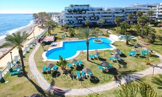 Beachfront modern appartement te koop, Golden Mile, Marbella 0