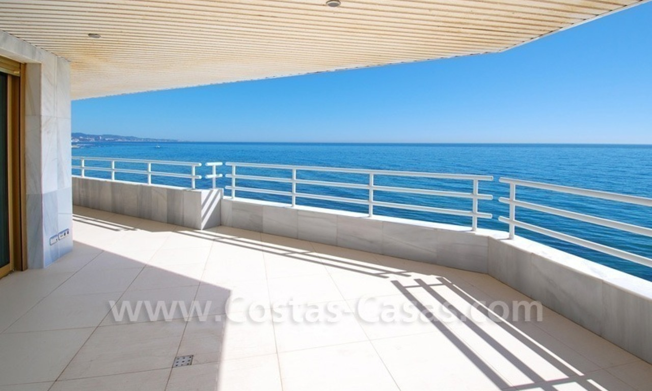 Beachfront modern appartement te koop, Golden Mile, Marbella 5
