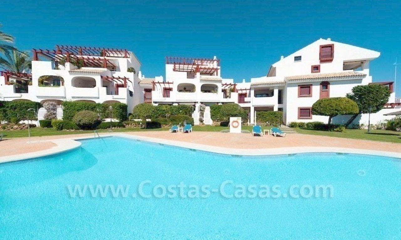 Beachside appartement te koop in Marbella 0