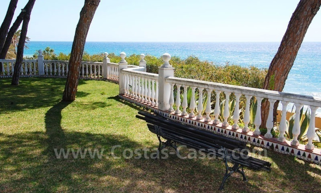 Ruim appartement te koop in een beachfront complex aan de Golden Mile in Marbella 4
