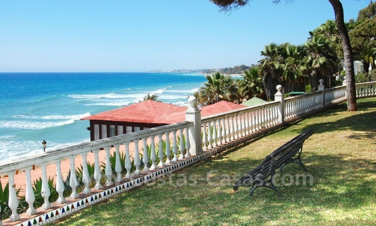 Ruim appartement te koop in een beachfront complex aan de Golden Mile in Marbella 3