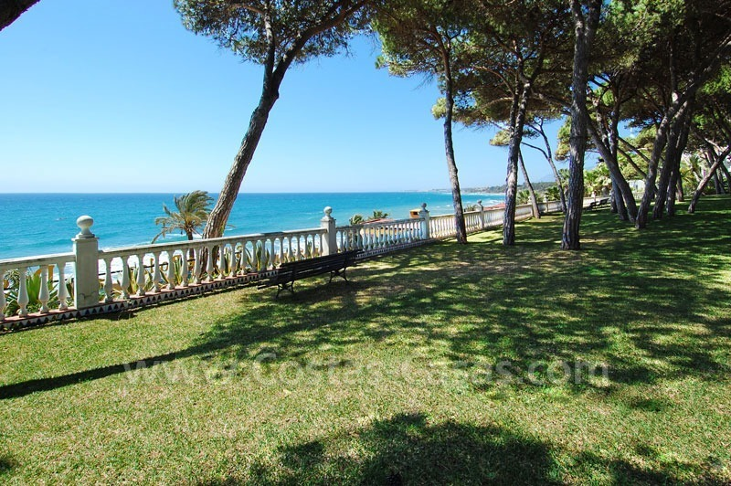 Ruim appartement te koop in een beachfront complex aan de Golden Mile in Marbella