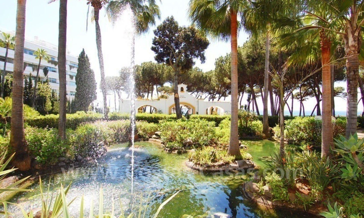 Ruim appartement te koop in een beachfront complex aan de Golden Mile in Marbella 10