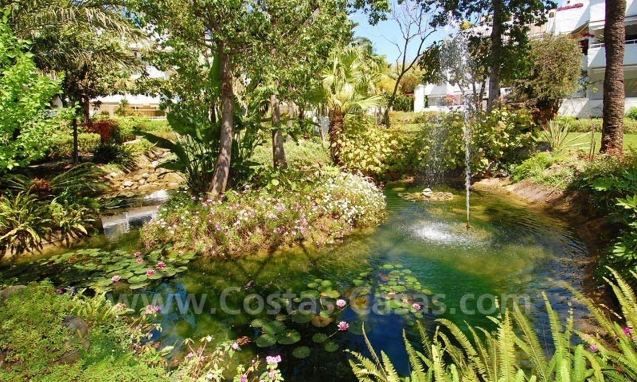 Ruim appartement te koop in een beachfront complex aan de Golden Mile in Marbella 13