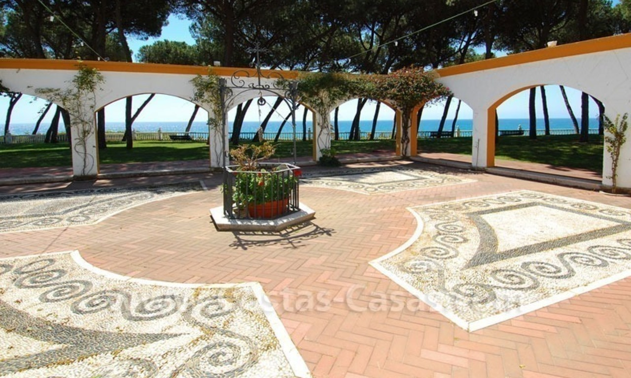 Ruim appartement te koop in een beachfront complex aan de Golden Mile in Marbella 8