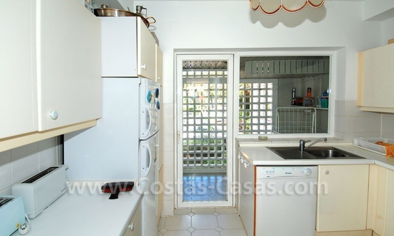 Ruim appartement te koop in een beachfront complex aan de Golden Mile in Marbella 24
