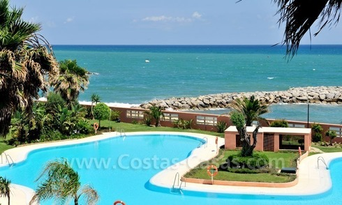 Luxe beachfront appartement te koop in Malibu, Puerto Banus, Marbella