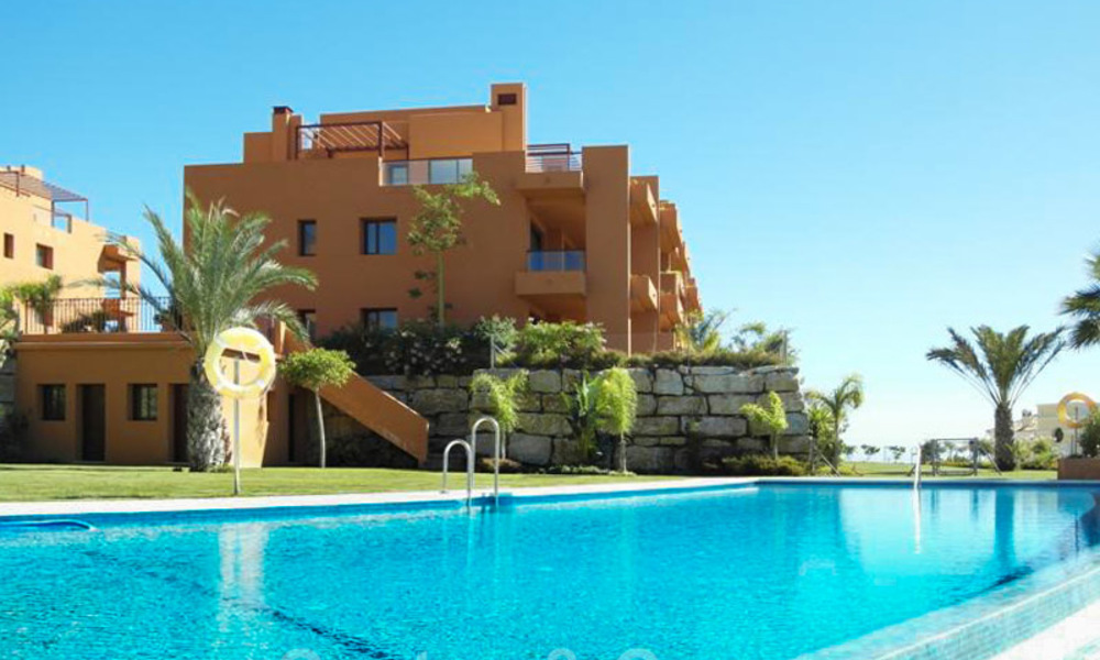 Golf appartementen te koop in 5* golfresort, Marbella - Benahavis 24001