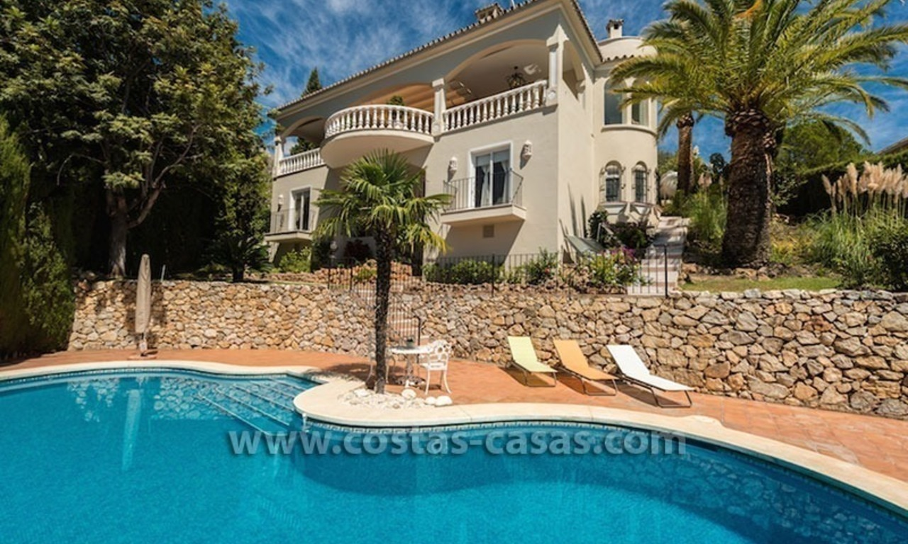 Luxueuze villa te koop op de Golden Mile in Marbella 0
