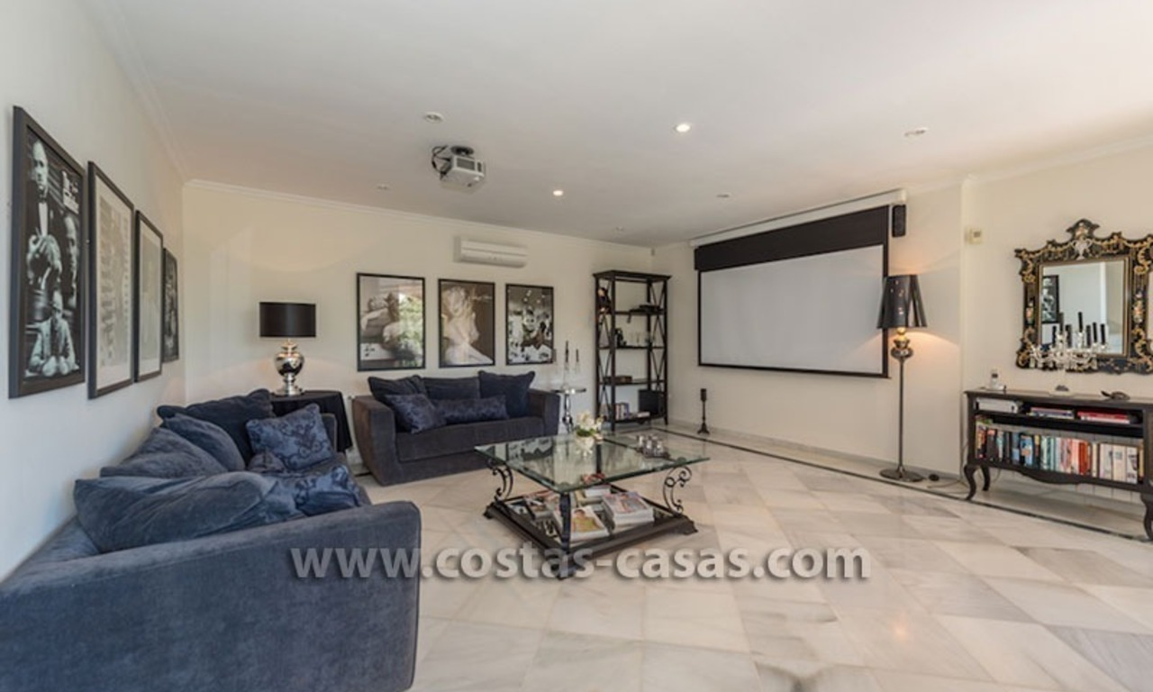 Luxueuze villa te koop op de Golden Mile in Marbella 8