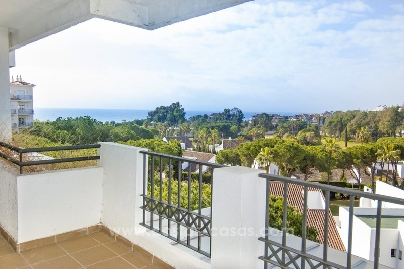 Perfect location!! Beachside apartment for sale in Puerto Banús