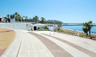 Perfect location!! Beachside apartment for sale in Puerto Banús 15