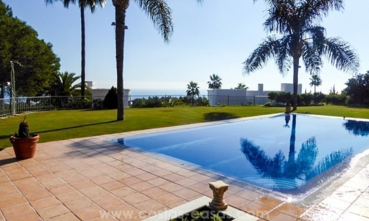 Villa te koop in Altos Reales op de Golden Mile te Marbella 0