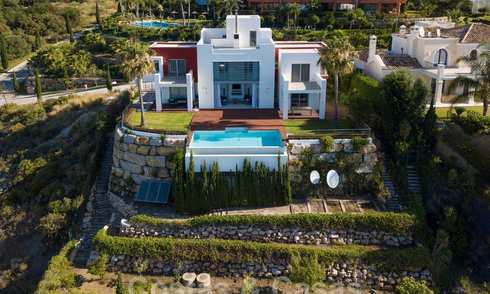 Moderne villa met panoramisch golf- en zeezicht te koop in Los Flamingos Golf in Marbella - Benahavis 26015